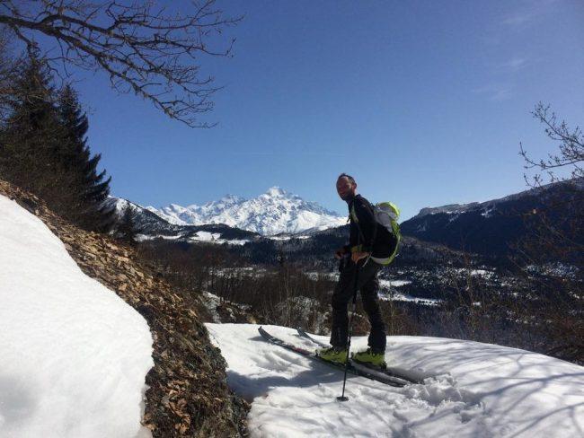 Einer der Tourenski-Kollegen, im Hintergrund zu sehen der Tednuldi, 4920m